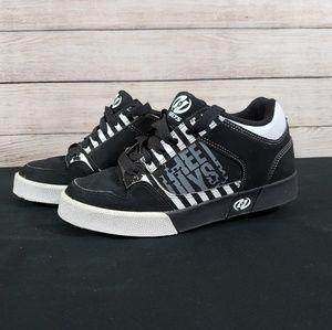 Heelys 7537 Boy's Shoes size 4 Black